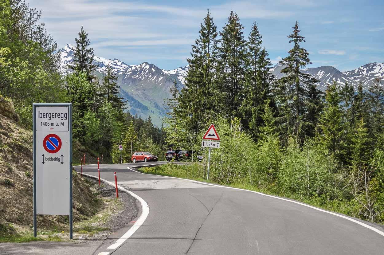 Die Iberereggstrasse ist sehr Kurvenreich und eine beliebte Route für Töfffahrer aus der Region.