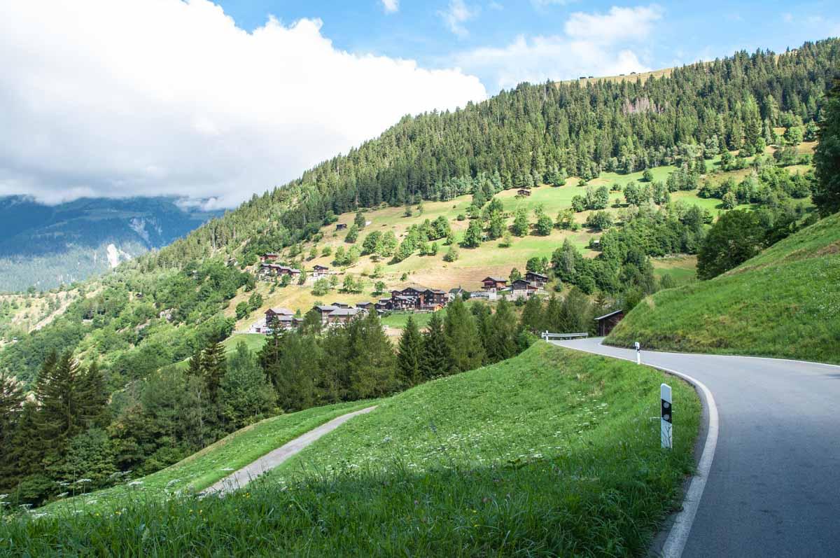 Auch die Fahrt bis nach Binn durch das gleichnamige Tal ist reizvoll.