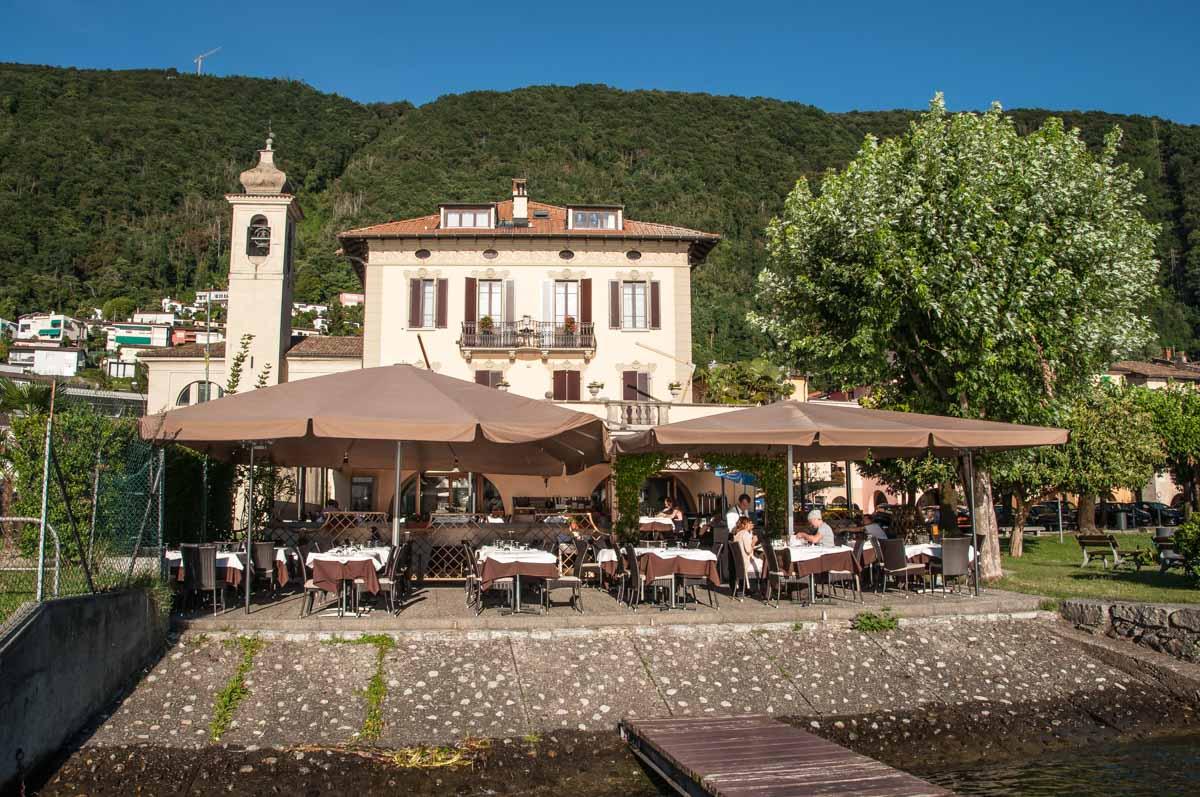"""Das """"Hotel-Restaurant La Palma"""" liegt direkt am Lago die Lugano und bietet neben komfortablen Unterkünften..."""