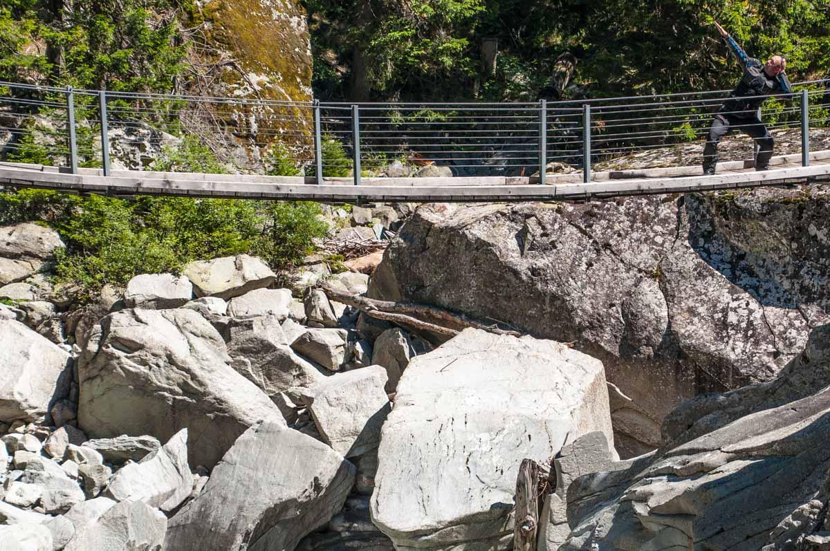 Auch auf dem Weg hinab nach Chur lohnt es sich, hin und wieder eine Pause einzulegen, um die Natur zu geniessen.
