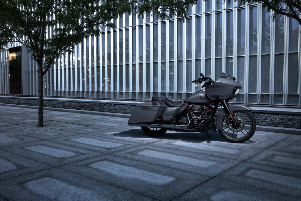 Harley_Davidson_CVO_RoadGlide_2018