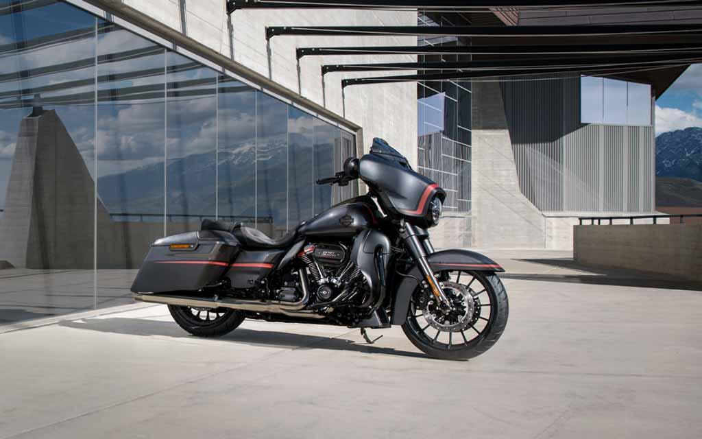 Harley_Davidson_CVO_Street_Glide_2018