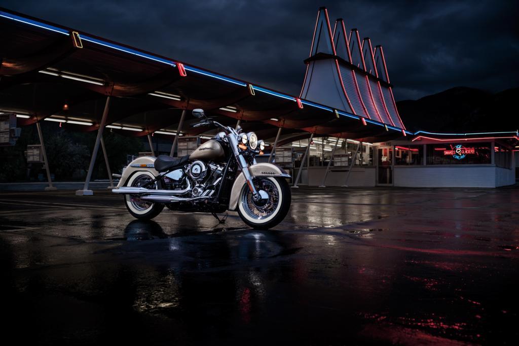 Harley_Davidson_Deluxe_2018