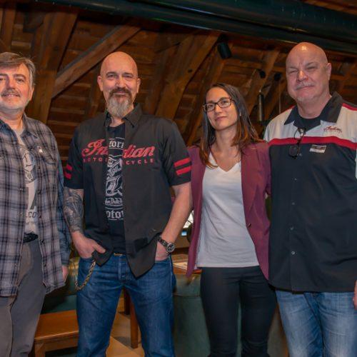 Stefan Vogel (Simota GmbH) mit Stéphane Berclaz und Nastasia Berclaz (Kustom Factory, Sierre) und Peter Frei (Simota GmbH)