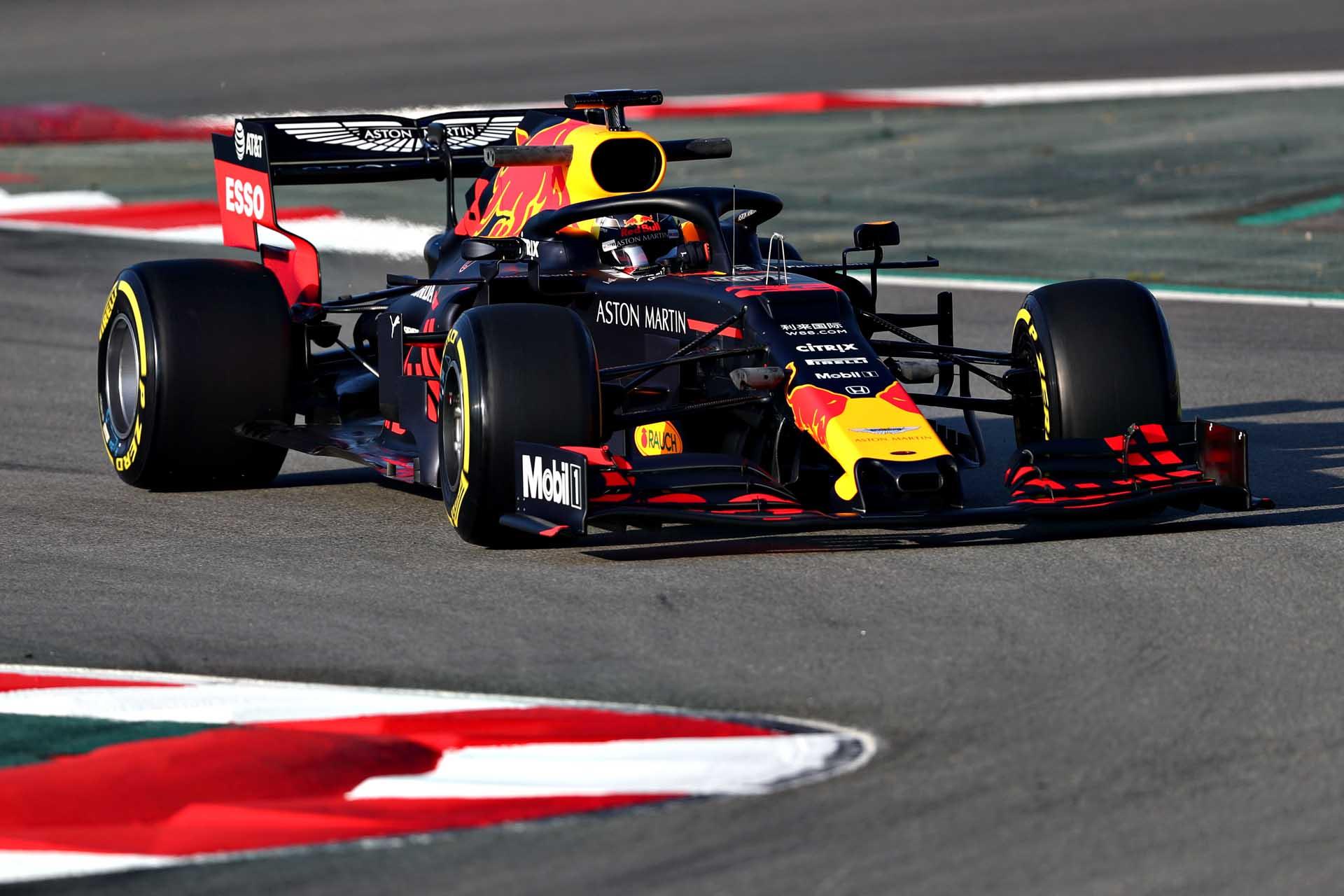 Eines der Highlights auf dem Asphalt wird ein Formel-1-Bolide des Aston Martin Red Bull Racing Teams sein.