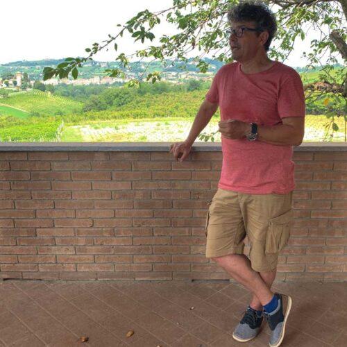 Marcello Schmidlin: Der aufgestellte Basler weiss nicht nur unglaublich viel über Wein - er spricht auch gerne darüber.