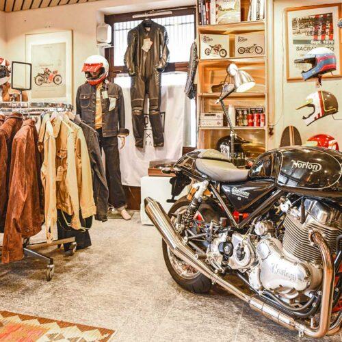 Die exklusiven Shangri-La Heritage Jacken werden im stilvollen Ambiente präsentiert.