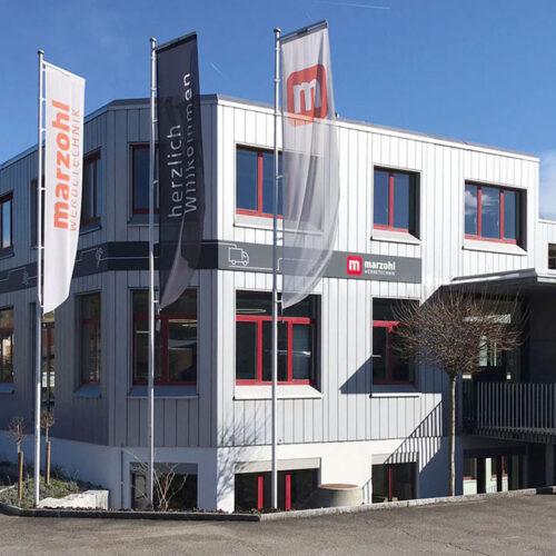 Schon beim ersten Besuch bei der Marzohl Werbetechnik AG in Reinach war klar, dass die Ténéré dort gut aufgehoben ist.