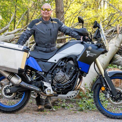 Reto mit seiner Ténéré 700. Die sportliche Reiseenduro soll im Stil der Yamaha Paris Dakar Maschinen aus den 80er Jahren umgestaltet werden.
