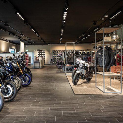 Unsere Tour beginnt bei der hostettler moto ag in Eschenbach, im Kanton St. Gallen.
