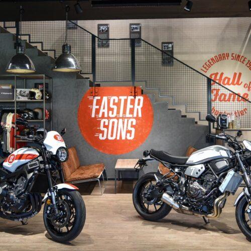 Die Filiale Eschenbach der hostettler moto ag wurde Anfang April 2019 eröffnet und gehört zu den modernsten Yamaha Zentren der Schweiz. Auf rund 800 m² Ausstellungs- und Verkaufsfläche wird das neuste Yamaha Motorrad- und Roller-Angebot präsentiert.