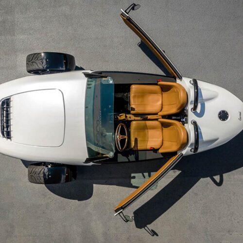 Das Potenzial zum spassigen Ganzjahresauto hat der «Carmel», der mit speziellen Türen, einem abnehmbaren Dach sowie bereits installiertem Sonderzubehör etwas mehr Komfort bietet.