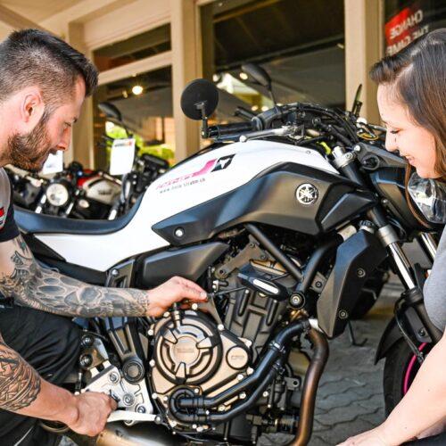 Egal ob ich eine Frage zu meinem eigenen Motorrad habe, Servicedienstleistungen benötige oder Schutzbekleidung kaufen möchte, Rama, Thomas und Bänz helfen mir immer gerne weiter.
