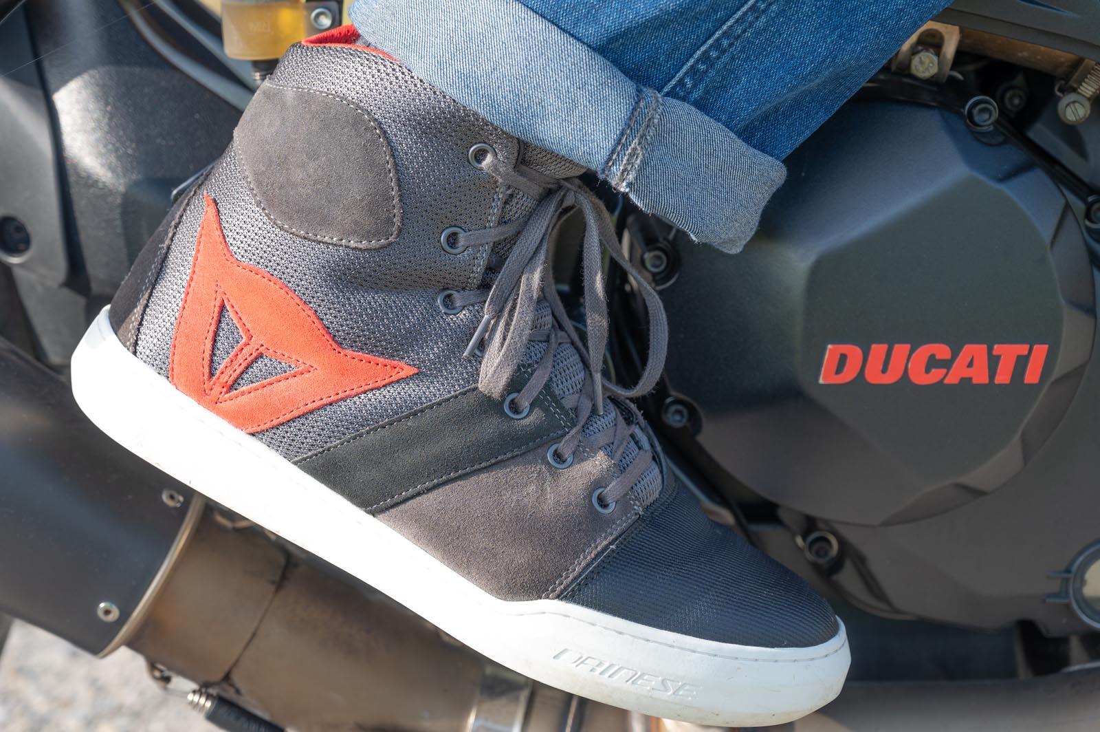 Sneaker York Air von Dainese