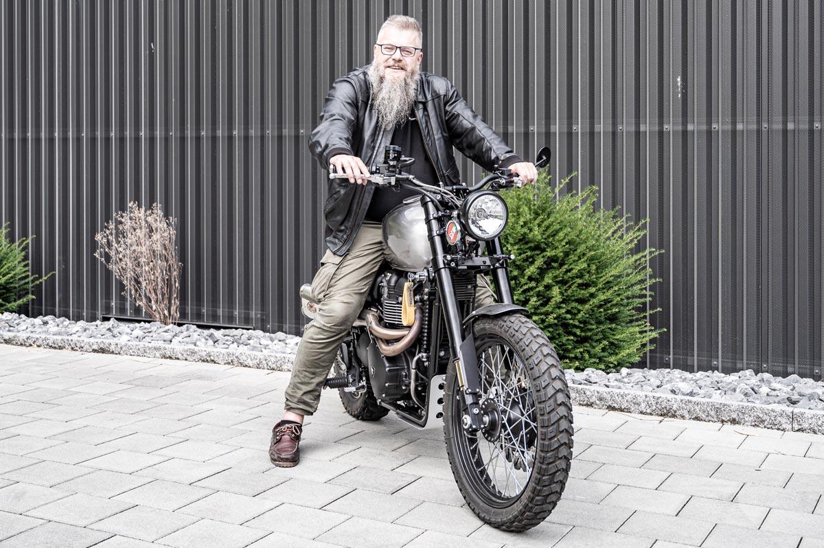 Unbedingt Probefahren! Nur wenn du ein Motorrad fährst, kannst du beurteilen, ob es zu dir passt.